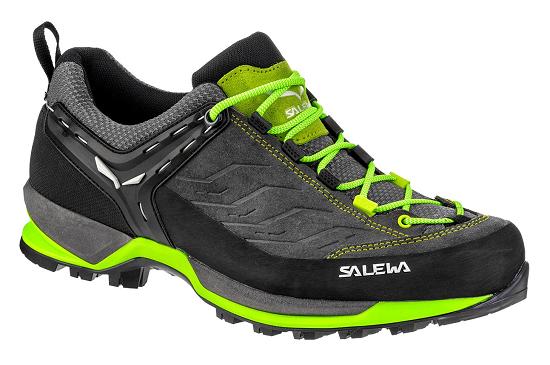 Lage wandelschoen bijzondere afwikkeling door onbuigbare/stijve zolen, deze schoenen zijn stijgijzervast dus ook geschikt voor het hooggebergte.